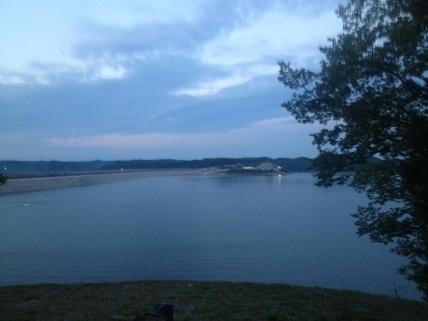 Approaching the Lake Cumberland dam